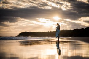 Peta and Chris | North Stradbroke Island maternity | island portrait