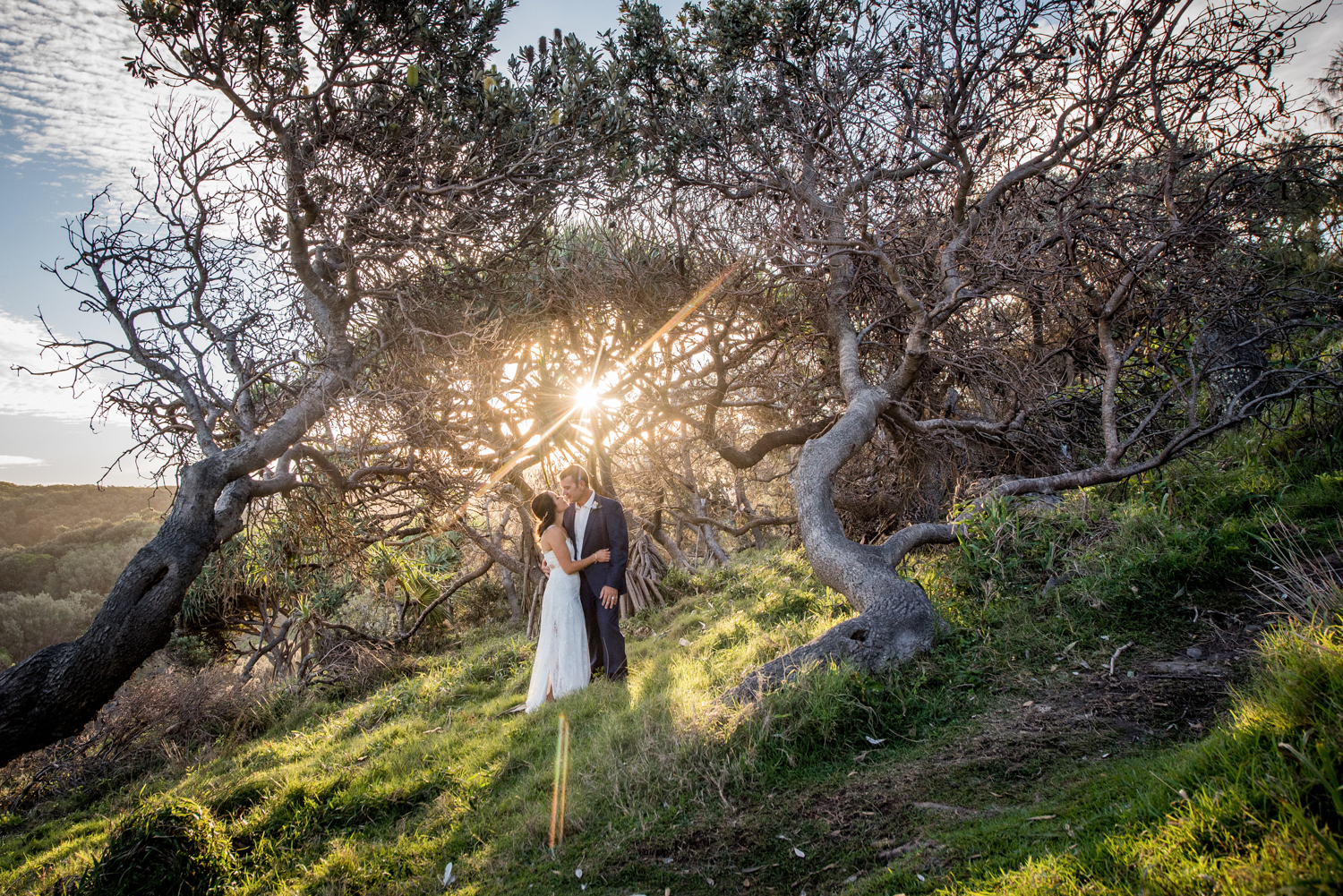 couple with amazing Straddie light