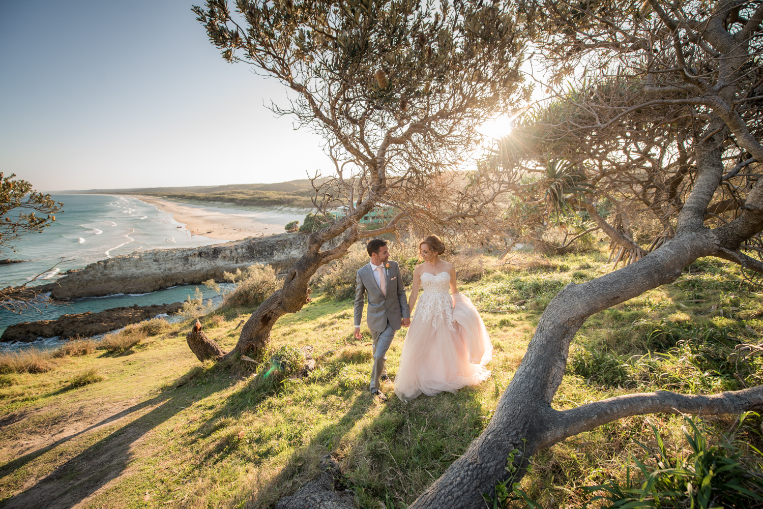 newlyweds with a view over South Gorge