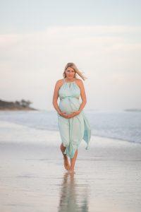 Peta and Chris   North Stradbroke Island maternity   island portrait